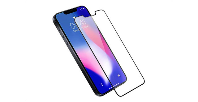 """Olixar render of """"iPhone SE 2"""" with screen protector   Photo Credit: Mobile Fun)"""